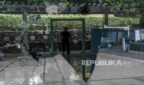 Berselang 2 Hari, Pengrusakan Masjid Kembali Terjadi di Bandung, Pelaku Dibawa ke Rumah Sakit Jiwa