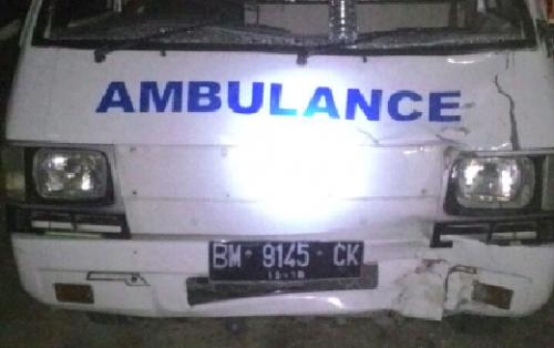 Pemotor Tewas Usai Diseruduk Mobil Ambulance dijalan Lintas PEKANBARU – PELALAWAN