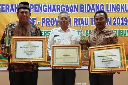 Dua Warga Bengkalis Terima Penghargaan di Bidang Lingkungan