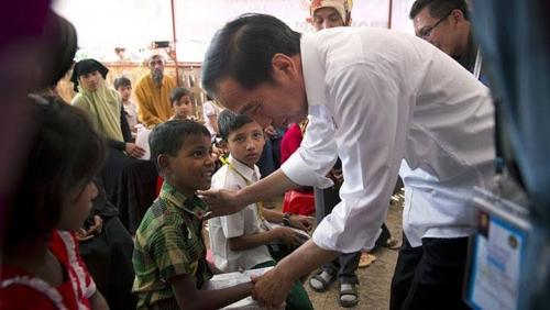 Jokowi Kunjungi Pengungsi Muslim Rohingya di Coxs Bazar