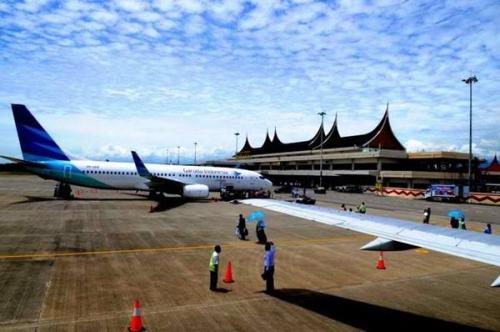 Garuda Turunkan Harga Tiket Padang-Jakarta 40 Persen