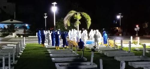 Seribu Warga Berkerumun Saksikan Pemakaman Wali Kota Tanjungpinang