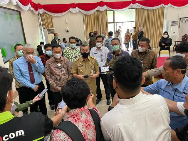 Gubri dan OJK Launching Kredit Riau Melawan Rentenir
