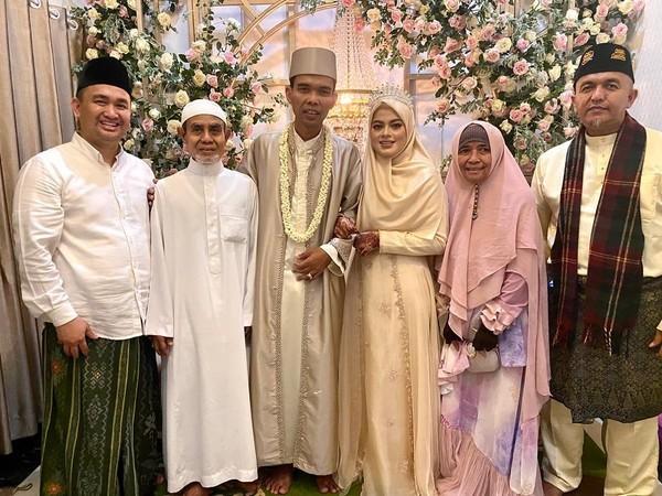 UAS Sah Jadi Suami Fatimah Az Zahra, Ini Foto Pernikahannya