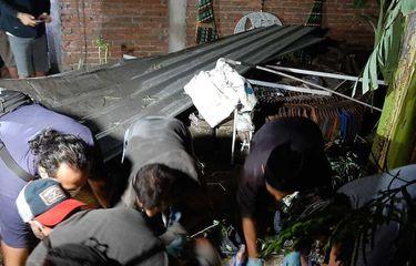 Kakak Beradik Tewas Akibat Ledakan Mercon, Tubuh Korban Terlempar ke Atap Rumah