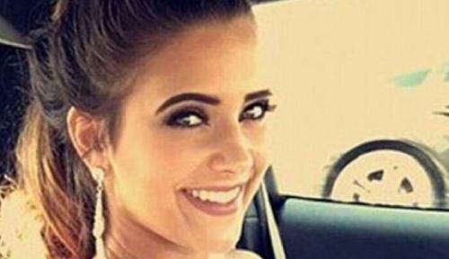 Ratu Kecantikan Ditangkap Polisi Gara-gara Bolos Sekolah