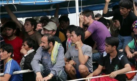 Berlayar ke Eropa Gunakan 12 Perahu Kecil, 550 Migran Diselamatkan Spanyol