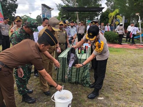Polres Siak Musnahkan Ribuan Petasan, Miras Serta Puluhan Kenalpot Racing Tangkapan Selama Ramadan