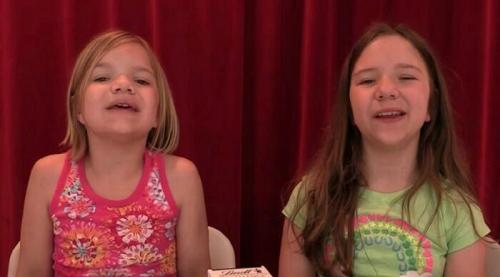 Wow, Hanya Bicarakan Permen di YouTube, Bocah Perempuan Kakak-Adik Ini Raup Rp160 Miliar