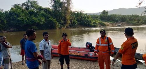 Nekat Nyebrang Sungai dengan Berenang, Pria di Kampar Dilaporkan Tenggelam dan Belum Ditemukan
