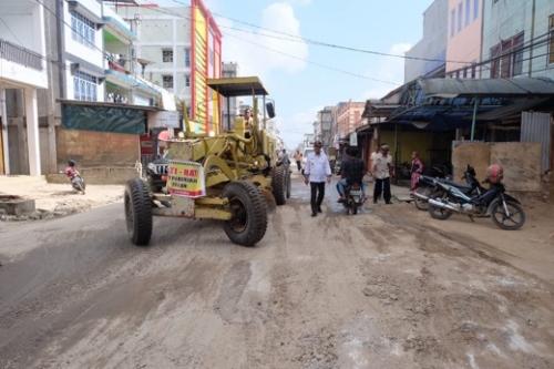 Dengan Dana APBN Rp20 Miliar, Pengerjaan 7 Ruas Jalan di Tembilahan Dimulai
