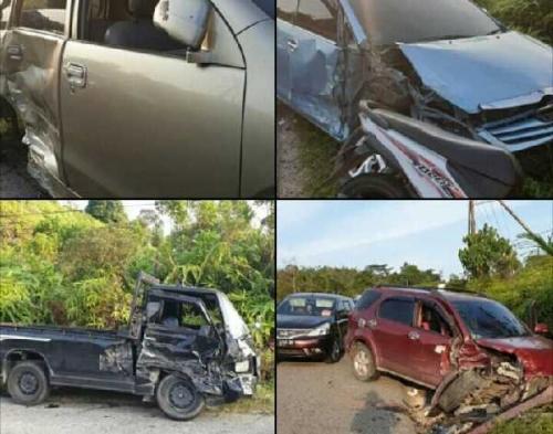 Kecelakaan Beruntun Terjadi di Lintas Riau - Sumbar tak Jauh dari Ulu Kasok, 4 Mobil Rusak