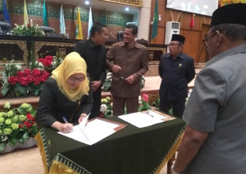 Disahkan, APBD Riau 2019 Rp9,1 Triliun