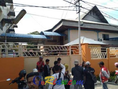 Rumah Pengusaha Ternama yang Digeledah KPK di Jalan Tanjung Datuk Pekanbaru Ternyata Juga Merangkap Sekolah