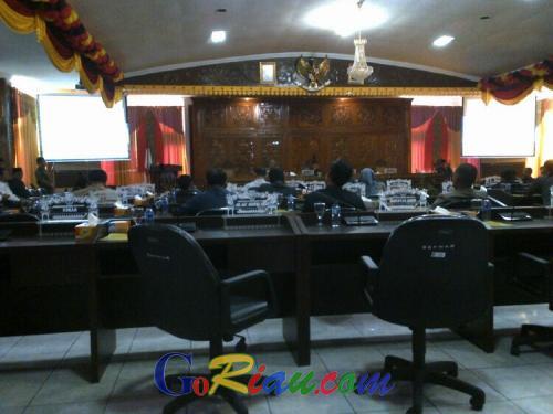 17 Anggota DPRD Kuansing Tak Hadiri Paripurna RAPBD 2016