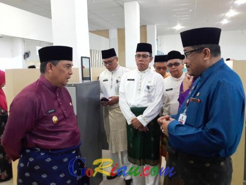 Wagubri Edy Nasution Sidak Kantor Bapenda Riau, 24 Pegawai Tidak Hadir Tanpa Keterangan