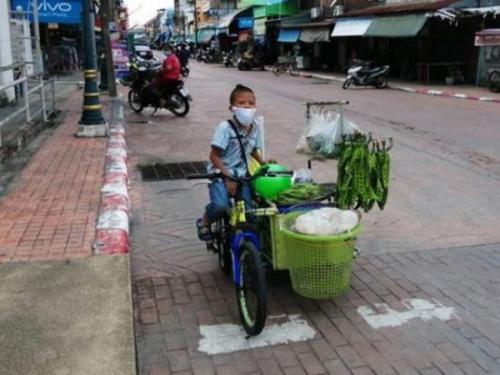 Bocah 10 Tahun Kayuh Sepeda Jualan Sayur di Tengah Pandemi Corona untuk Nafkahi Keluarganya