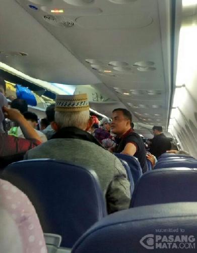 Sudah 2 Jam Menunggu dalam Pesawat, Penumpang Lion Air Tujuan Sumbar Disuruh Turun Lagi