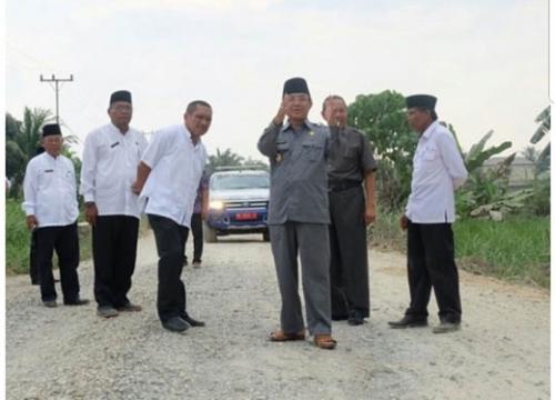 Pembangunan Rigid Beberapa Ruas Jalan di Tembilahan Segera Dimulai, Bupati Inhil Minta Rekanan Perhatikan Kualitas Pekerjaan