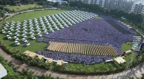 Bos Baik Hati, Bagikan 1.260 Mobil dan 400 Apartemen kepada Karyawan