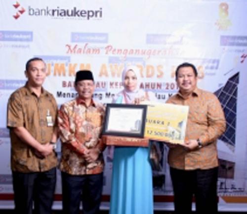 Syabas, Usaha Tenun Lejo Bengkalis Raih UMKM Award Bank Riau Kepri
