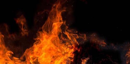 Sadis... Ibu Rumah Tangga Tewas Dibacok dan Dibakar, Anak Gadisnya Juga Ikut Terpanggang