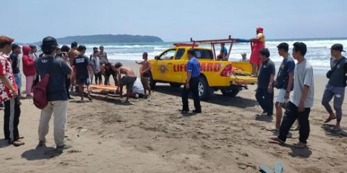 Nekat Berenang di Area Terlarang, Anggota Polisi Tewas Terseret Ombak