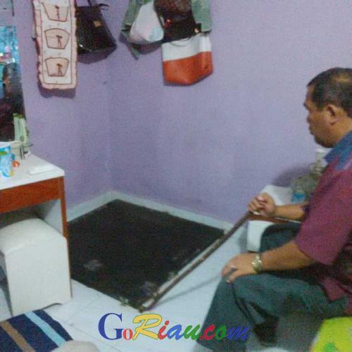 Aparat Gabungan Polda Riau, Temukan Bungker Dalam Rumah Warga Kampung Narkoba