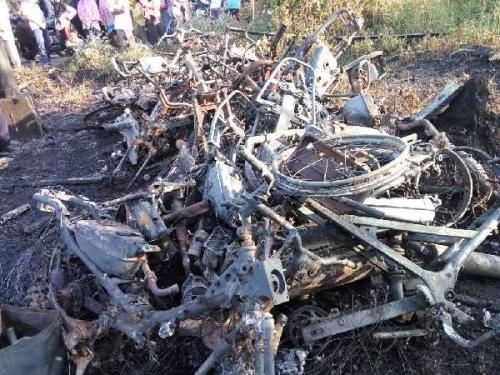 Ditinggal Sebentar, Satu Unit Bengkel Bersama 10 Sepeda Motor di Desa Mengkirau Tasik Putripuyu Ludes Terbakar