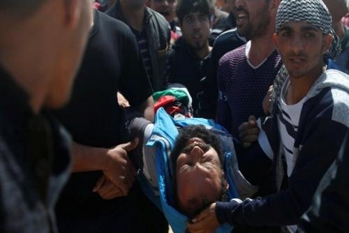 Petani Palestina Tewas Setelah Dibombardir Tank Palestina