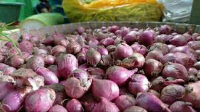 Sempat Sentuh Rp40 Ribu/Kg, Harga Bawang Merah di Pasar Pelalawan Turun