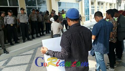 Masyarakat Desa Segamai Teluk Meranti Tuntut PT THIP Realisasikan 20 Persen HGU