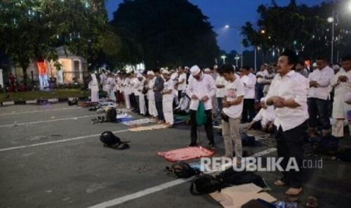 MUI Fatwakan Shalat Jumat di Jalan Sah, Syaratnya . . . .