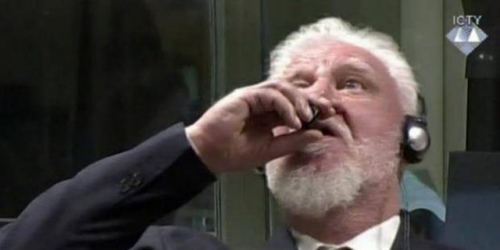 Divonis 20 Tahun Penjara, Jenderal Pembantai Muslim Bosnia Tenggak Racun di Pengadilan