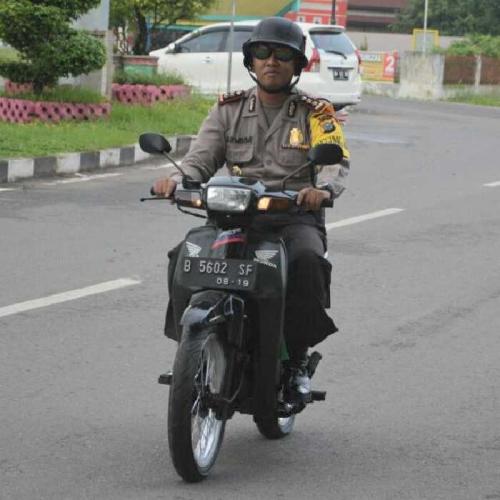 Hebat, Kapolres di Riau Ini Tak Malu Pakai Motor Butut buat Dinas, Ini Fotonya