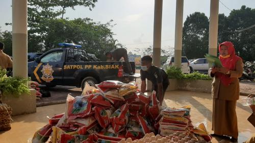 Bupati Alfedri Gerak Cepat Kumpulkan Donasi 980 Paket Sembako untuk Keluarga ODP Covid-19