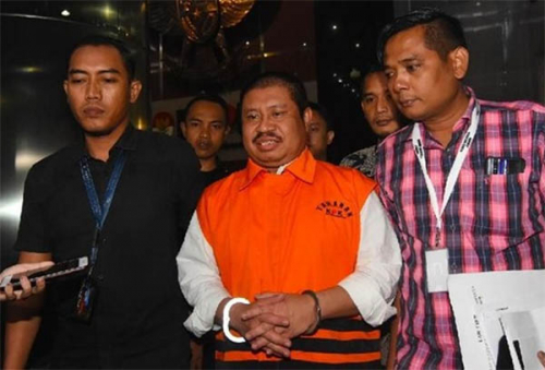KPK Perpanjang Masa Penahanan Mantan Bupati Bengkalis Amril Mukminin 30 Hari Kedepan