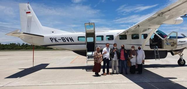 Pakai Penerbangan Perintis, Ikbal Sayuti Dampingi Ketua Umum KKSS ke Inhil Melantik Pengurus Daerah