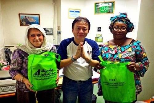 Forum Asal Indonesia Ini Distribusikan Perangkat Shalat di Sejumlah Negara Eropa Barat