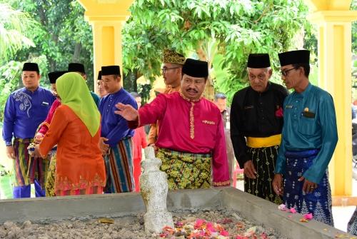 Bupati Bengkalis Harapkan Kegiatan Ziarah Makam Pahlawan Terus Dilaksanakan Sepanjang Masa
