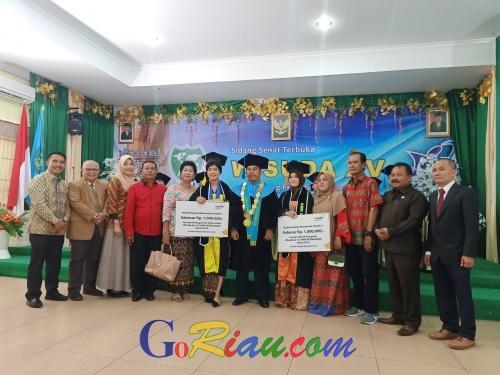 AMIK Mitragama Duri Wisuda 102 Mahasiswa Program MI dan TK, 25 Diantaranya Lulus dengan Predikat Cumlaude