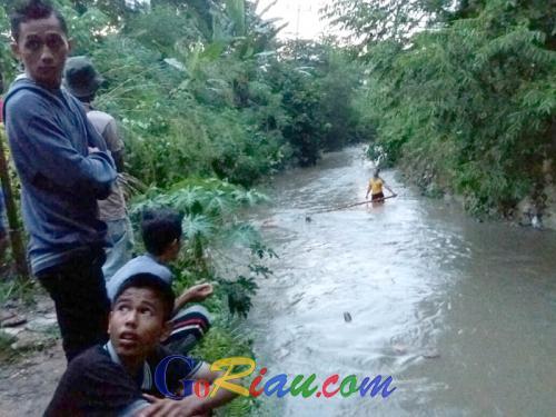 Main di Parit, Bocah 9 Tahun di Bangkinang Tenggelam