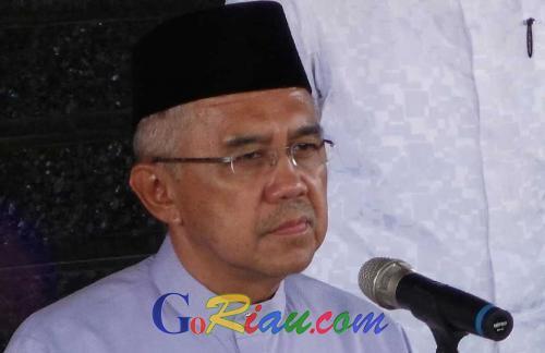 Jenguk di ICU, Gubernur Riau Doakan Herman Abdullah Lekas Sembuh