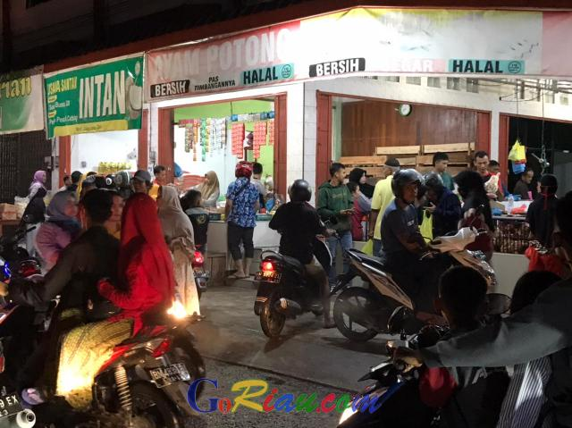 GoRiau Salah satu toko menjual bahan