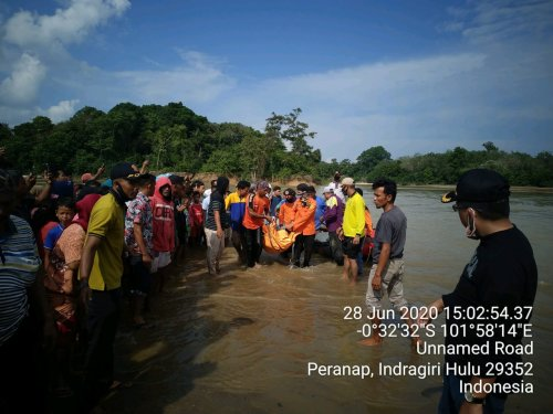 GoRiau Proses evakuasi korban oleh Ba